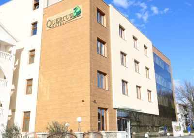 Hotel Quercus Front