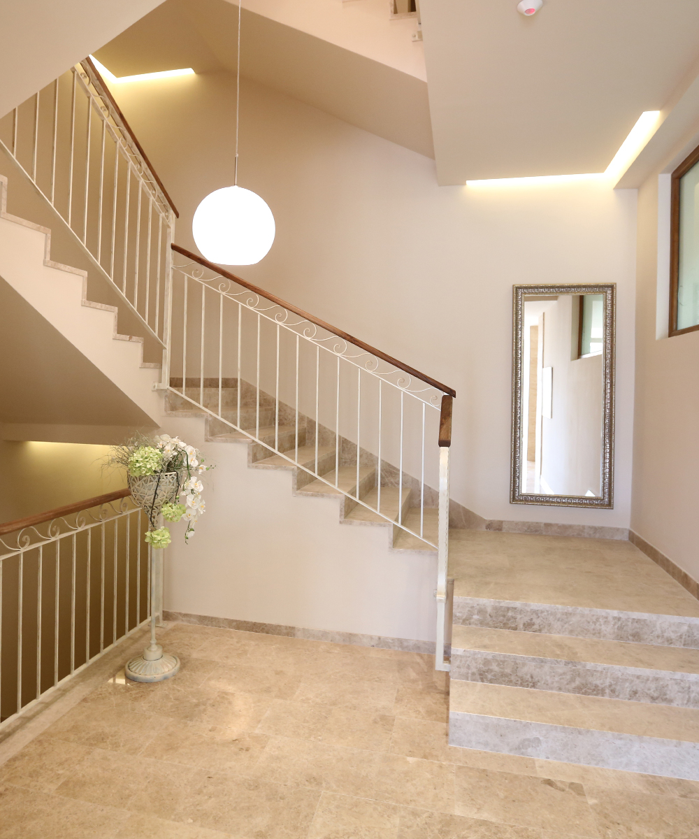 Hotel Quercus Stairs